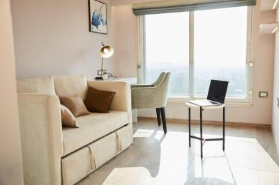 Gallery Cover Image of 2917 Sq.ft 4 BHK Apartment for buy in Bandra East for 117500000