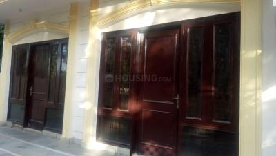 Gallery Cover Image of 2000 Sq.ft 6 BHK Independent House for buy in Alpha II Greater Noida for 5800000
