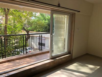 Gallery Cover Image of 1005 Sq.ft 2 BHK Apartment for rent in Dharamveer Nagar for 45000