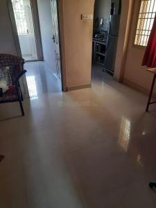 Gallery Cover Image of 960 Sq.ft 2 BHK Apartment for rent in Kovilambakkam for 9500