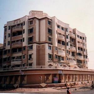 Gallery Cover Image of 600 Sq.ft 1 BHK Apartment for buy in Gurukul CHS, Airoli for 7500000