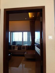 Gallery Cover Image of 1200 Sq.ft 2 BHK Apartment for rent in Kopar Khairane for 29000