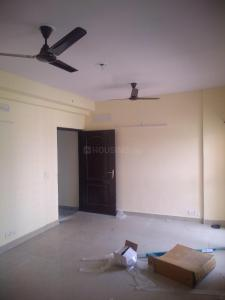 Gallery Cover Image of 950 Sq.ft 2 BHK Apartment for rent in GOLF CITY, Sector 75 for 17000