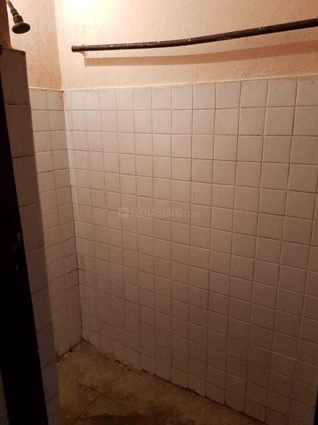 Common Bathroom Image of 950 Sq.ft 1 BHK Independent Floor for rent in Balanagar for 8000