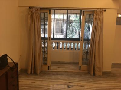 Gallery Cover Image of 1600 Sq.ft 3 BHK Apartment for rent in West View Apartment, Santacruz West for 130000