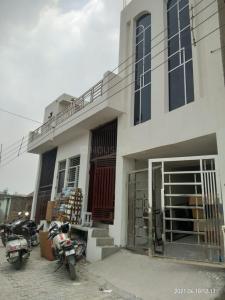 Gallery Cover Image of 1500 Sq.ft 1 RK Independent Floor for rent in Kamp for 22500