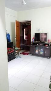 Gallery Cover Image of 752 Sq.ft 2 BHK Apartment for rent in Kasarvadavali, Thane West for 13000