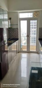 Gallery Cover Image of 1250 Sq.ft 2 BHK Apartment for rent in Satellite Satellite Tower, Goregaon East for 50000
