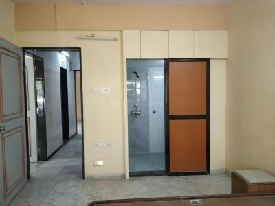 Gallery Cover Image of 1050 Sq.ft 2 BHK Apartment for rent in Goregaon West for 40000