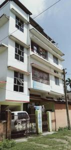 Gallery Cover Image of 1300 Sq.ft 8 BHK Independent House for buy in Mirza for 9500000