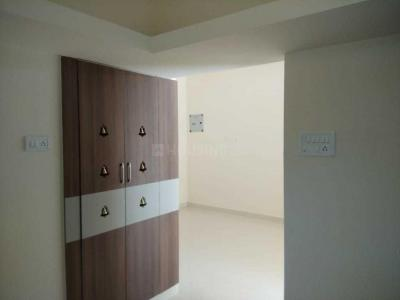 Gallery Cover Image of 900 Sq.ft 2 BHK Apartment for buy in Medavakkam for 3900000