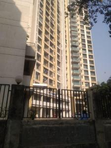 Gallery Cover Image of 1400 Sq.ft 3 BHK Apartment for rent in Malad East for 50000