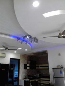 Gallery Cover Image of 2430 Sq.ft 4 BHK Independent House for rent in Ansal Palam Vihar Plot, Palam Vihar for 40000