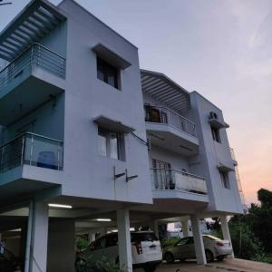 Gallery Cover Image of 3012 Sq.ft 4 BHK Apartment for buy in Injambakkam for 16000000