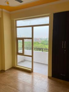 Gallery Cover Image of 650 Sq.ft 3 BHK Apartment for rent in Auric City Homes, Sector 82 for 10000