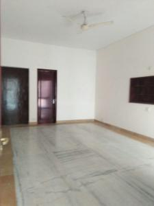 Gallery Cover Image of 1400 Sq.ft 3 BHK Independent Floor for buy in Safdarjung Development Area for 25000000