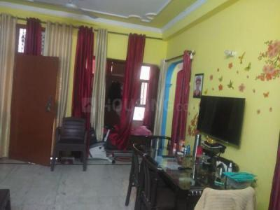Gallery Cover Image of 1700 Sq.ft 4 BHK Independent Floor for rent in Dwarka Mor for 14500