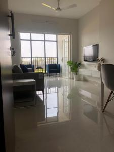 Gallery Cover Image of 980 Sq.ft 2 BHK Apartment for buy in Vasupujya Neco Beaumont, Mohammed Wadi for 4400000