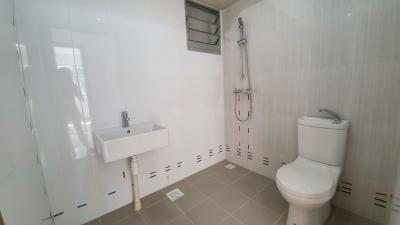 Gallery Cover Image of 1050 Sq.ft 2 BHK Apartment for rent in Kandivali East for 35000