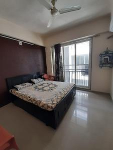 Gallery Cover Image of 1098 Sq.ft 2 BHK Apartment for buy in Gota for 4700000
