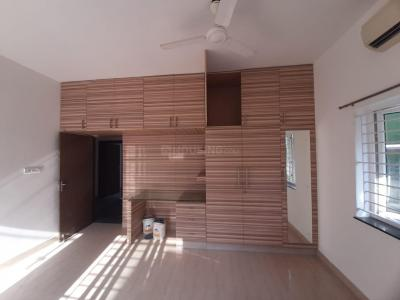 Gallery Cover Image of 1300 Sq.ft 3 BHK Villa for rent in Sholinganallur for 28000