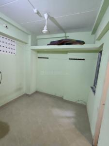 Gallery Cover Image of 325 Sq.ft 1 BHK Apartment for rent in Prabhadevi for 17000