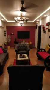 Gallery Cover Image of 1350 Sq.ft 3 BHK Apartment for rent in Andheri West for 125000