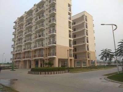 Gallery Cover Image of 2000 Sq.ft 3 BHK Apartment for buy in Omaxe Palm Greens, MU Greater Noida for 7200000