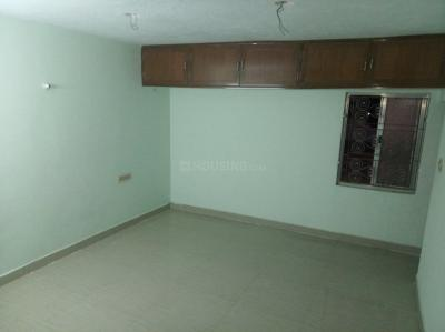 Gallery Cover Image of 1000 Sq.ft 1 RK Independent House for rent in Agaram for 6000
