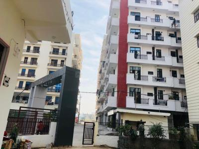 Gallery Cover Image of 1355 Sq.ft 3 BHK Independent Floor for buy in Lucky Palm Valley, Noida Extension for 2900000