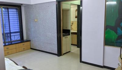 Gallery Cover Image of 595 Sq.ft 1 BHK Apartment for buy in Swapnalok Building, Jogeshwari East for 12500000