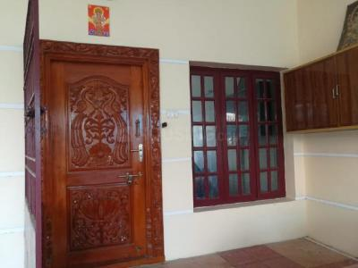 Gallery Cover Image of 1400 Sq.ft 3 BHK Independent Floor for rent in Perungalathur for 12500