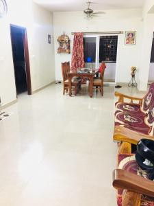 Gallery Cover Image of 1450 Sq.ft 2 BHK Apartment for rent in DSMAX SHELTONS, Jnana Ganga Nagar for 17000