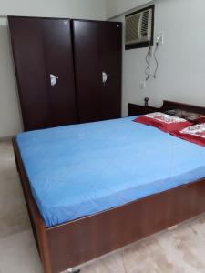 Gallery Cover Image of 1370 Sq.ft 3 BHK Apartment for rent in Powai for 67000