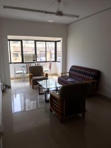 Gallery Cover Image of 650 Sq.ft 1 BHK Apartment for rent in Cumballa Hill for 90000
