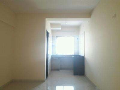 Gallery Cover Image of 350 Sq.ft 1 RK Apartment for buy in Kandivali West for 4800000