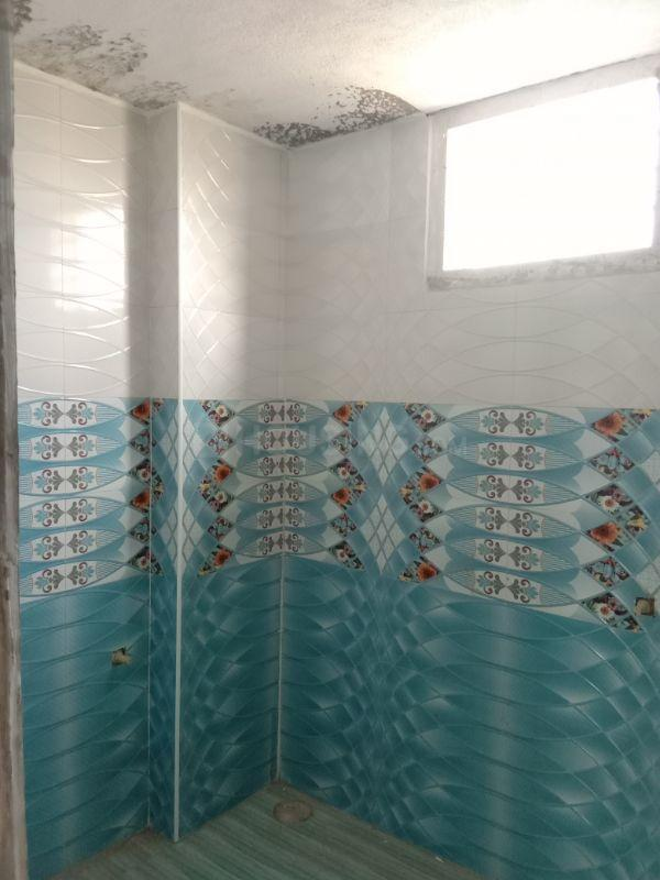 Bathroom Image of 1000 Sq.ft 2 BHK Independent House for buy in Kolathur for 7900000
