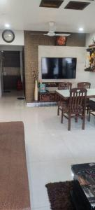 Gallery Cover Image of 600 Sq.ft 1 BHK Apartment for rent in Jaidurga, Andheri East for 25000