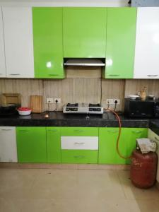 Gallery Cover Image of 1700 Sq.ft 3 BHK Apartment for rent in Gardenia Gateway, Sector 75 for 18000