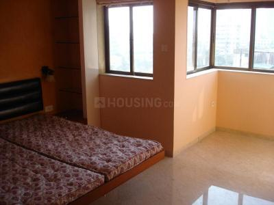 Gallery Cover Image of 700 Sq.ft 2 BHK Apartment for rent in Parel for 75000
