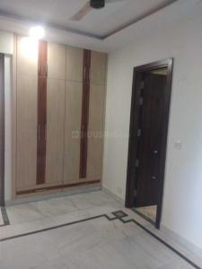 Gallery Cover Image of 1600 Sq.ft 3 BHK Apartment for rent in Sector 5 Dwarka for 28000