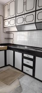 Gallery Cover Image of 575 Sq.ft 1 BHK Apartment for rent in Vrindavan Dham CHS, Mulund East for 19000