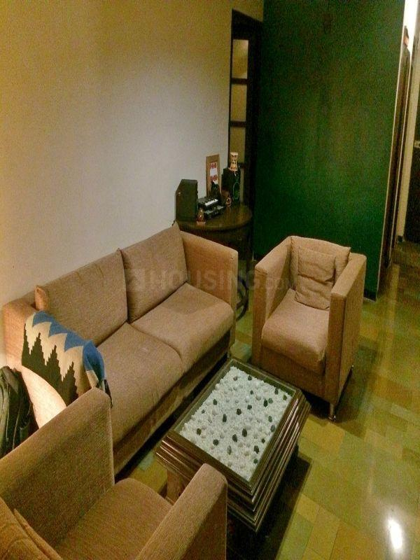 Living Room Image of 650 Sq.ft 1 BHK Apartment for rent in Bandra West for 70000