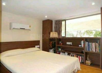 Gallery Cover Image of 320 Sq.ft 1 RK Apartment for rent in Poonam Apartments, Worli for 44000