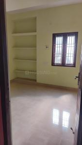 Gallery Cover Image of 500 Sq.ft 1 BHK Apartment for rent in Ekkatuthangal for 8400