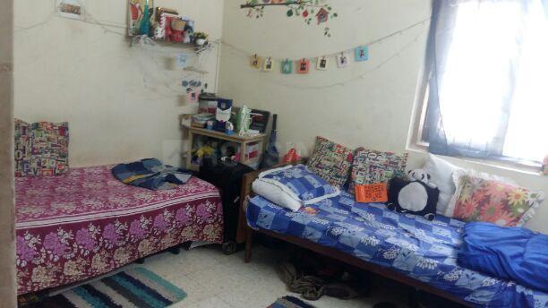 वरली में पीजी फ़ॉर फ़ीमेल एंड मेल के बेडरूम की तस्वीर