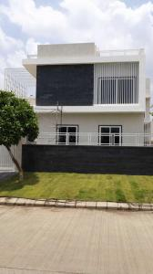 Gallery Cover Image of 4500 Sq.ft 4 BHK Villa for buy in Omaxe Hills, Rau for 16500000