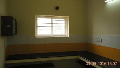 Gallery Cover Image of 1700 Sq.ft 2 BHK Independent Floor for rent in Vandalur for 12000