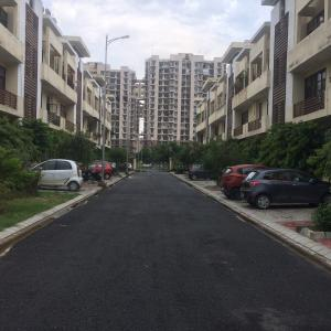 Gallery Cover Image of 1077 Sq.ft 2 BHK Independent Floor for rent in Aditya Gracious Floors, Lal Kuan for 3600