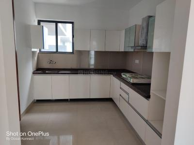 Gallery Cover Image of 2200 Sq.ft 3 BHK Apartment for buy in Marvel Arco, Hadapsar for 15500000